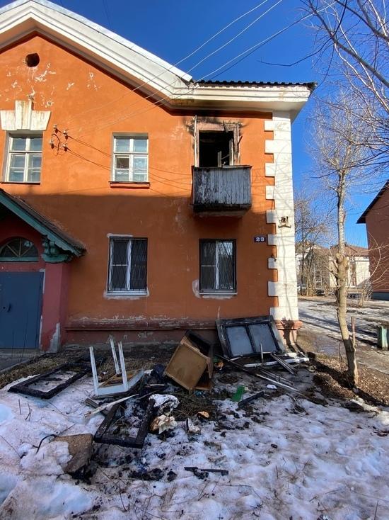 В Твери пожарные вытащили мужчину из горящей квартиры