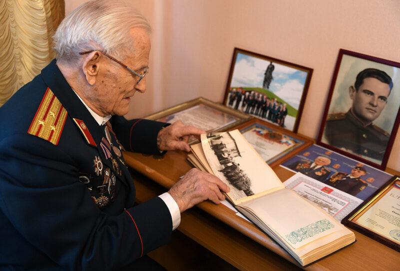 Губернатор выразил соболезнования в связи со смертью участника Великой Отечественной войны Николая Макаровича Черных