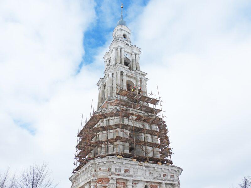 Калязинскую колокольню реставрируют на высоте 54 метра