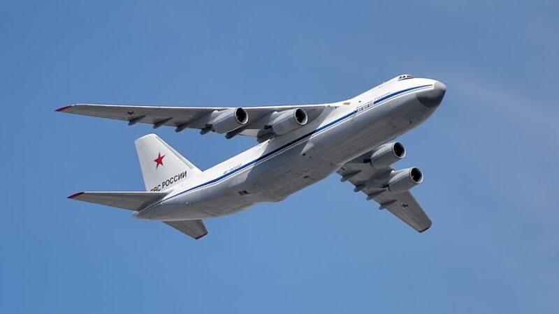 Хоккей в небе: Тверские военные поиграли шайбой в самолете
