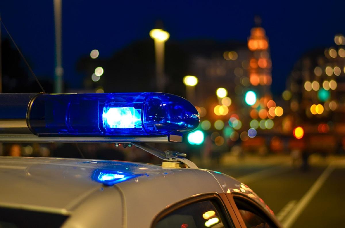 Есть пострадавшие: в Тверской области легковой автомобиль пробил ограждение
