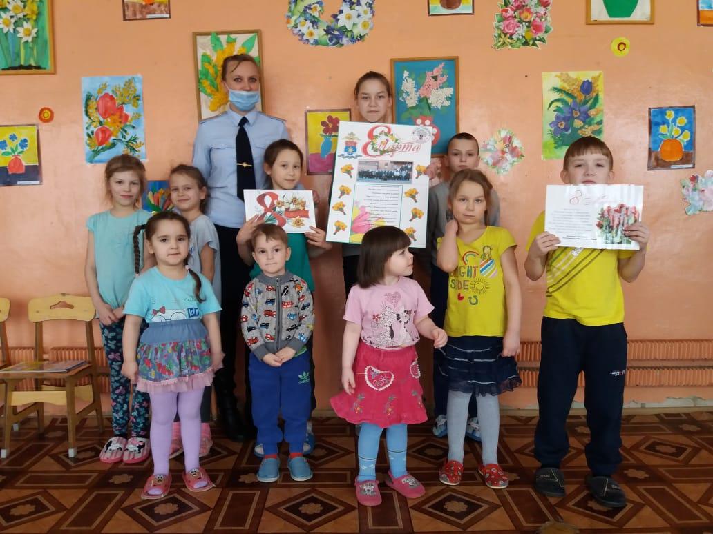 В Бологовском социально-реабилитационном центре прошла акция Весна идёт!Весне дорогу