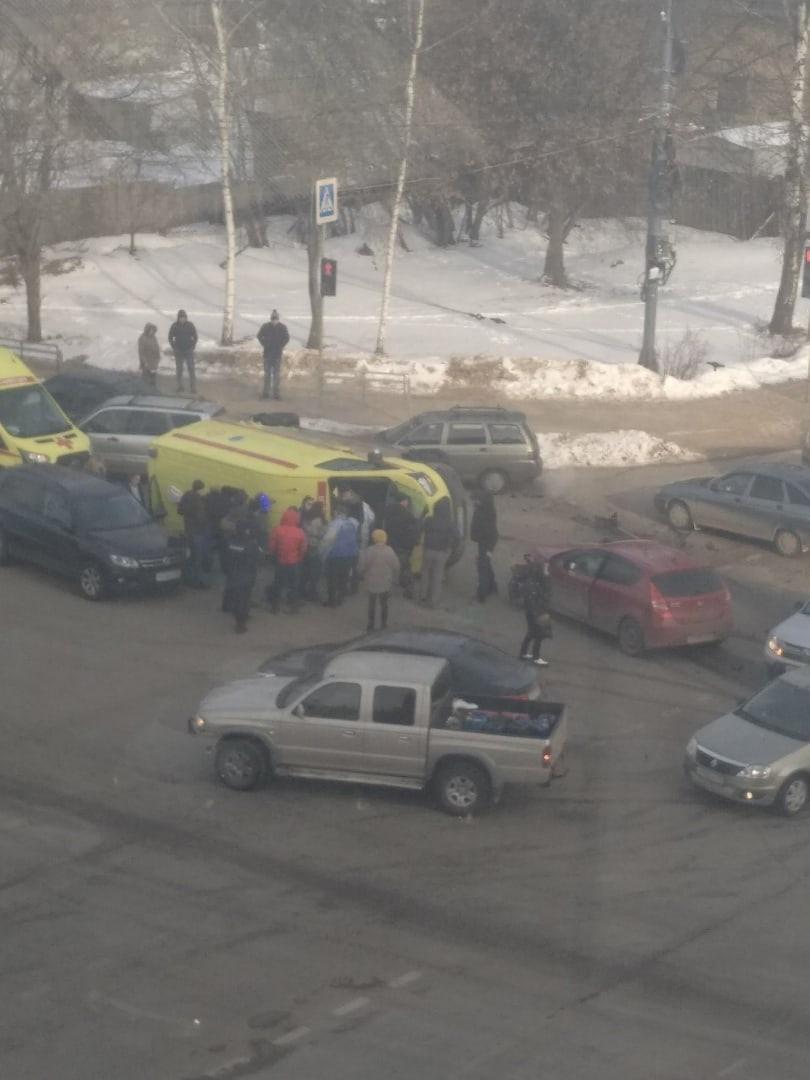 Появилась информация о пострадавших в аварии с участием кареты скорой помощи