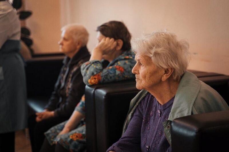 Прививку от коронавируса сделали больше 30 тысяч пожилых жителей Тверской области