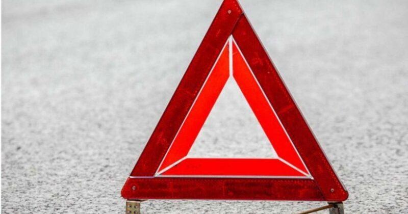 В Твери на пешеходном переходе автомобиль сбил женщину