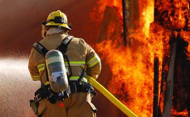 На пожаре в Кесовогорском районе обнаружили трупы мужчины и женщины