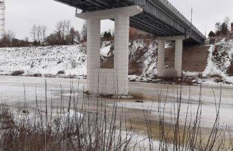 В Ржеве под Новым мостом обнаружили труп мужчины