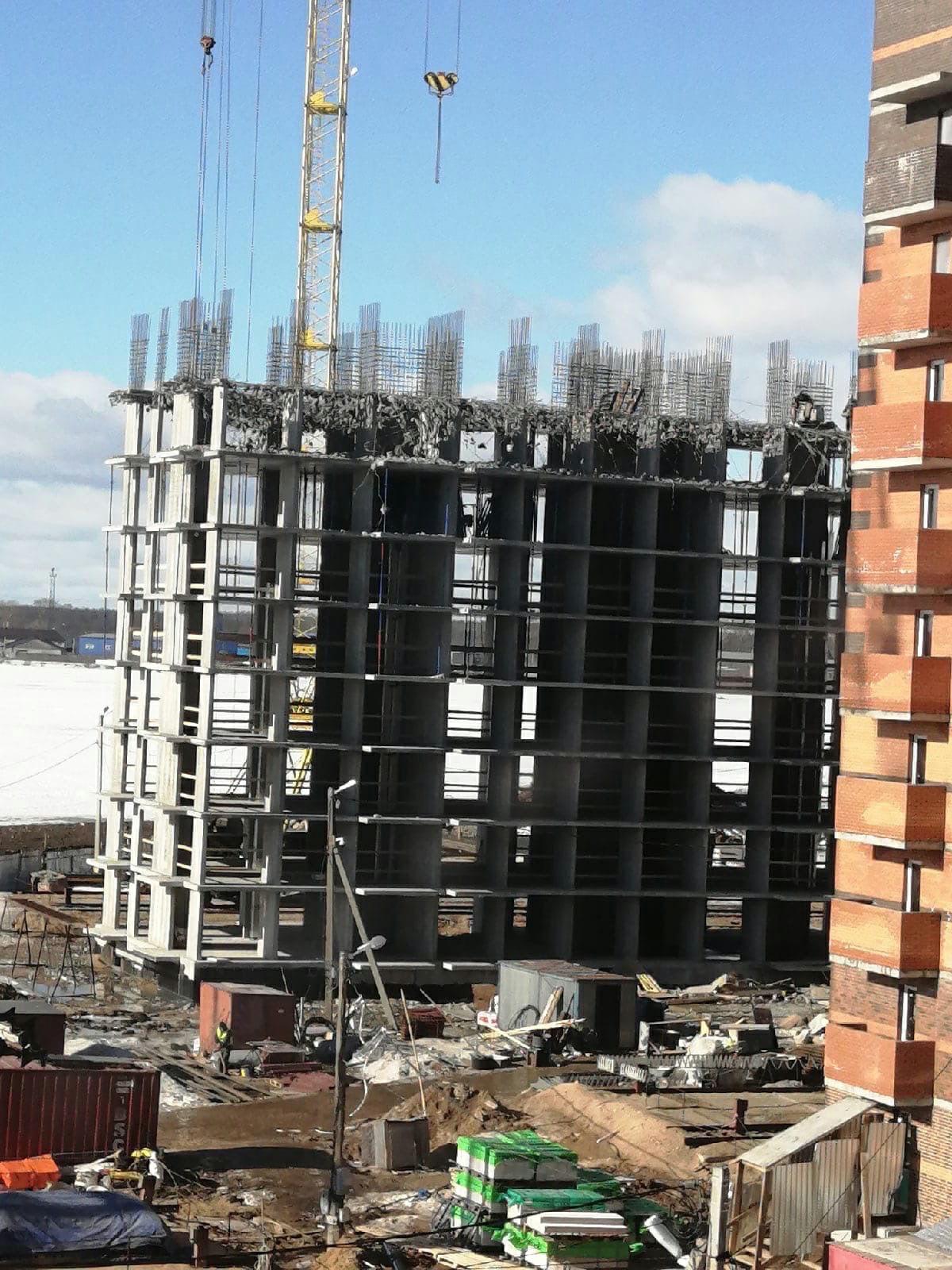 В Твери начал таять не только снег, но и бетон