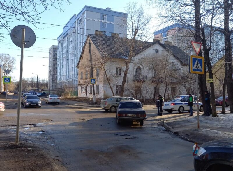 В Твери автомобилист сбил пешехода на зебре