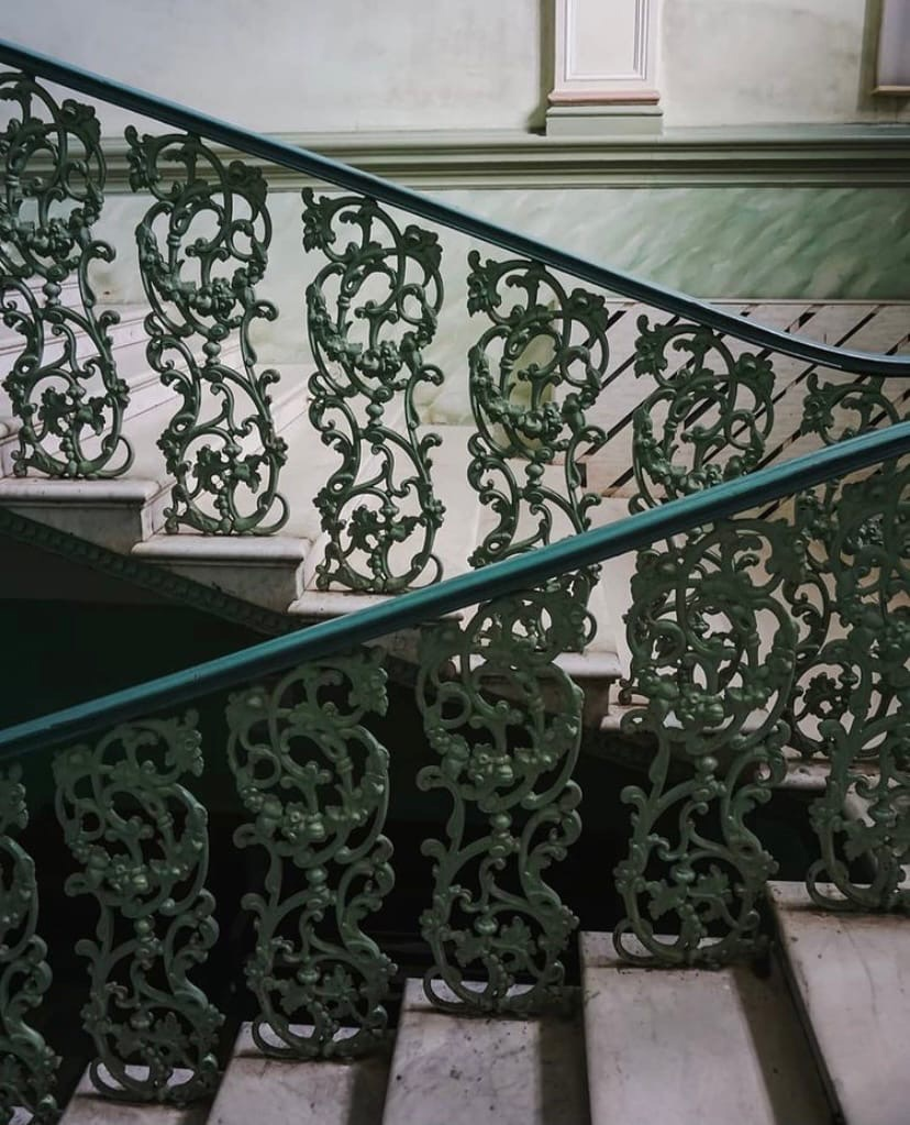 Блогер показала парадную дома купца Жданова в Кашине