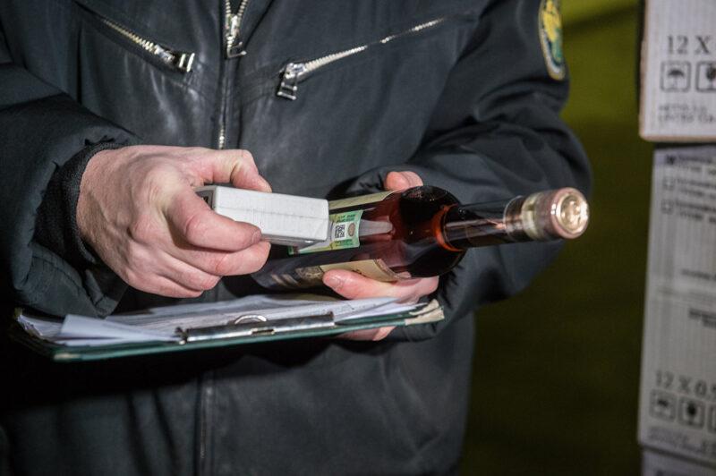 В Тверской области осудили торговца незаконным алкоголем и табаком