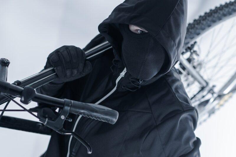 Во Ржеве задержали задержали велосипедного вора