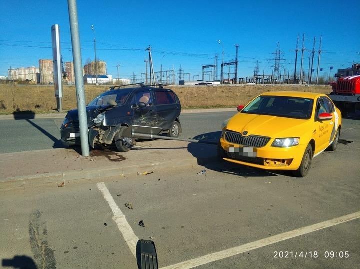 Неудачные маневры привели к аварии в Твери
