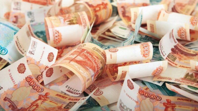 В Тверской области продавец похитила из кассы более 200 тысяч рублей