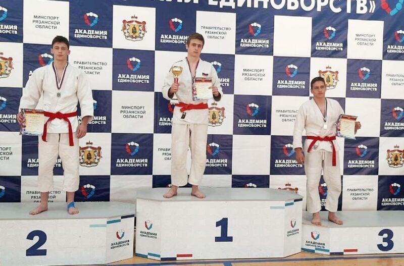 Спортсмены из Тверской области стали призерами в соревнованиях по джиу-джитсу