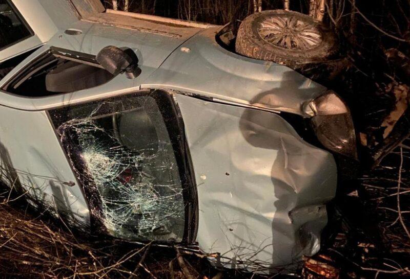Пьяный водитель улетел в кювет в Тверской области