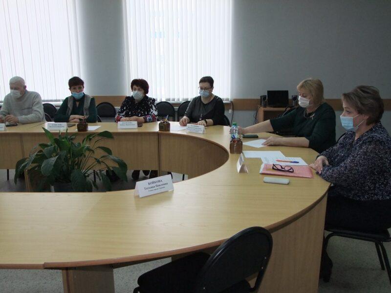 Выпускники школ Торопца смогут заключать договора с районной больницей