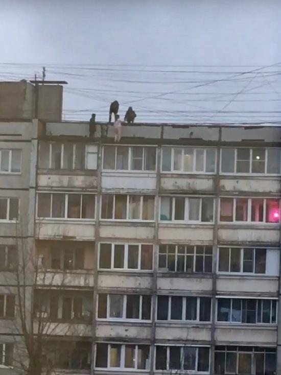 В Твери закрыли злополучную крышу, где дети рисковали жизнями