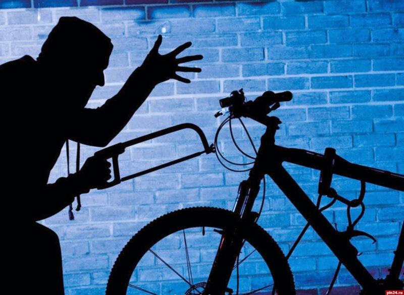 Оседлал скакуна: В Твери мужчина угнал чужой велосипед