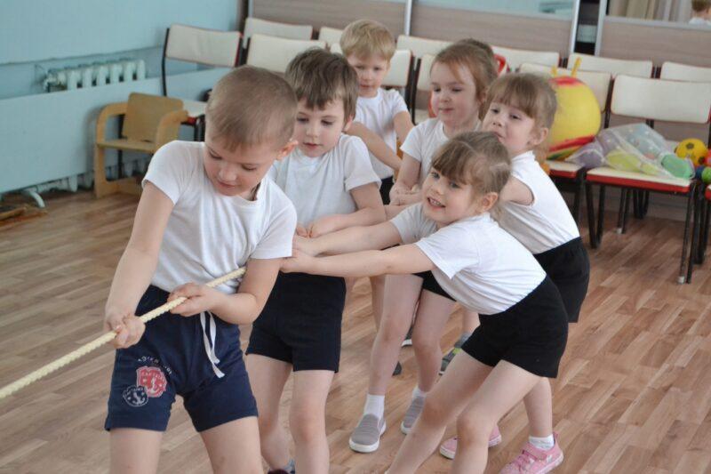 В Лихославле дети провели Международный день спорта