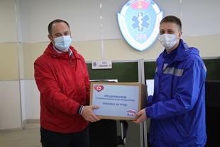 Депутат Тверской городской Думы Дмитрий Гуменюк поздравил сотрудников скорой медицинской помощи Твери