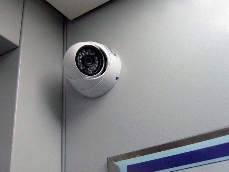 Неработающий житель Твери украл камеру видеонаблюдения из лифта