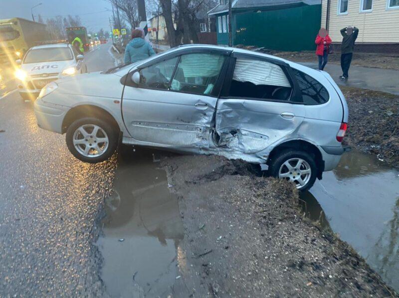 В аварии в Тверской области получила травмы 45-летняя женщина