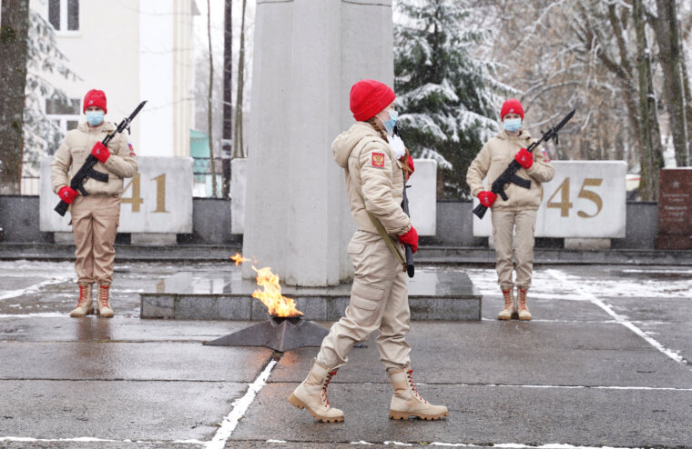 В Лихославле Игорь Руденя возложил цветы к Памятнику неизвестному солдату и Обелиску Победы