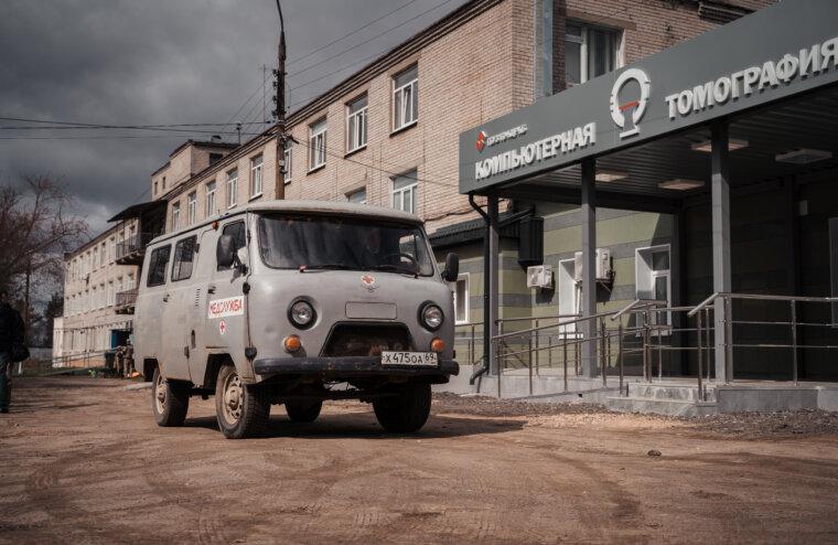 В Калининской ЦРБ прошедший субботник приурочили к возвращению привычного режима работы больницы