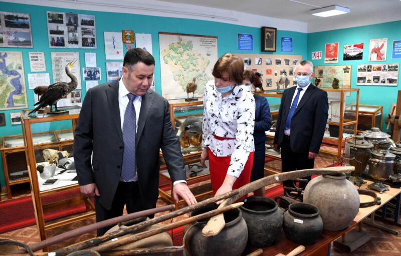 Игорь Руденя поручил провести ремонт системы отопления в Пеновской школе