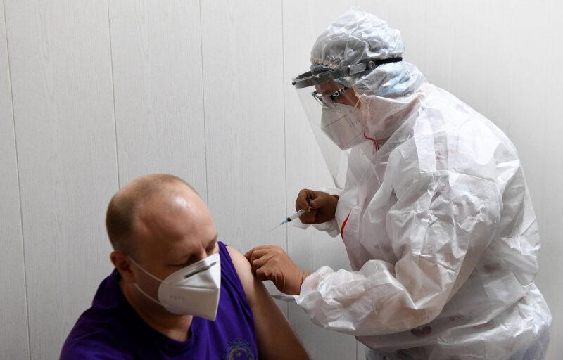 Прививку от коронавирусной инфекции сделали больше 88 тысяч жителей Тверской области