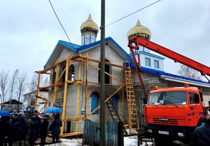 Глава Сандовского района поблагодарил Тверьэнерго за помощь в строительстве храма