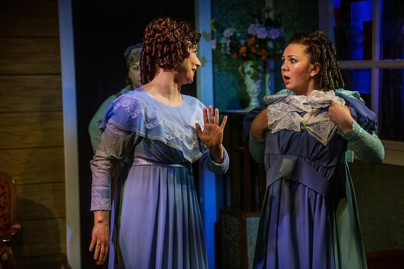 В Тверском театре драмы преподадут урок дочкам