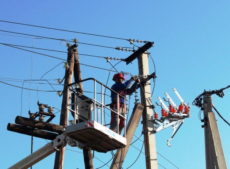 В Кимрском районе энергетики «Россети Центр» ведут работы по повышению надежности работы сетей и питающих центров