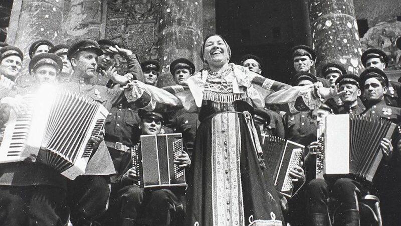 В Твери споют о войне