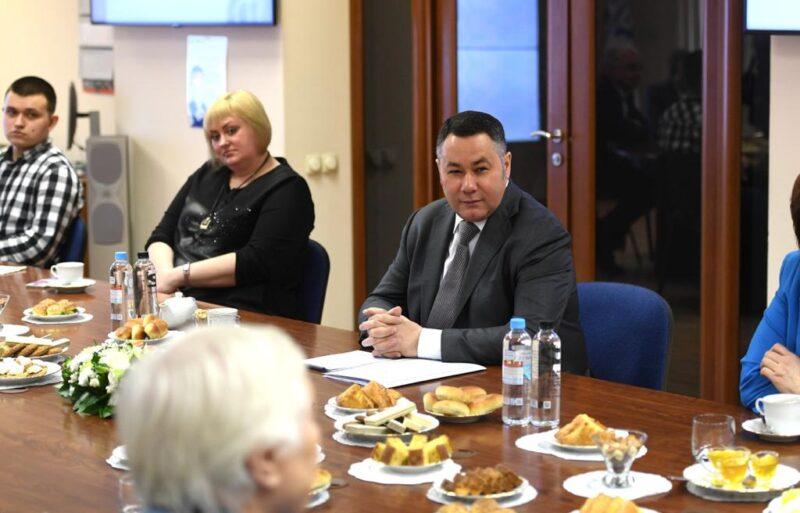 Игорь Руденя встретился с трудовыми династиями Тверского вагоностроительного завода