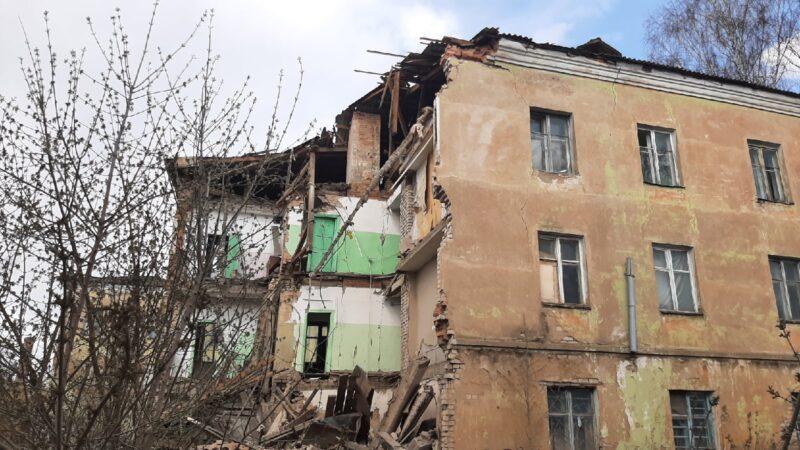 На демонтаж здания с частично обрушенной стеной во Ржеве направят средства областного бюджета