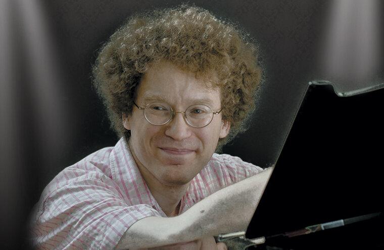 Денис Бурштейн сыграет в Тверской филармонии произведения Вайнберга