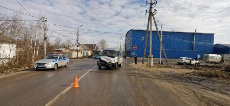В Твери столкнулись два транспортных средства
