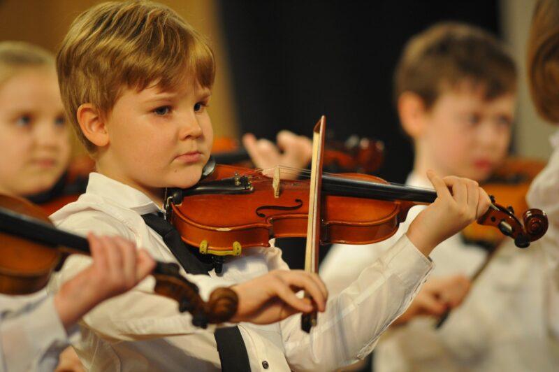 В Тверской области отремонтируют и оснастят новыми инструментами детские школы искусств, где учится больше 1300 детей