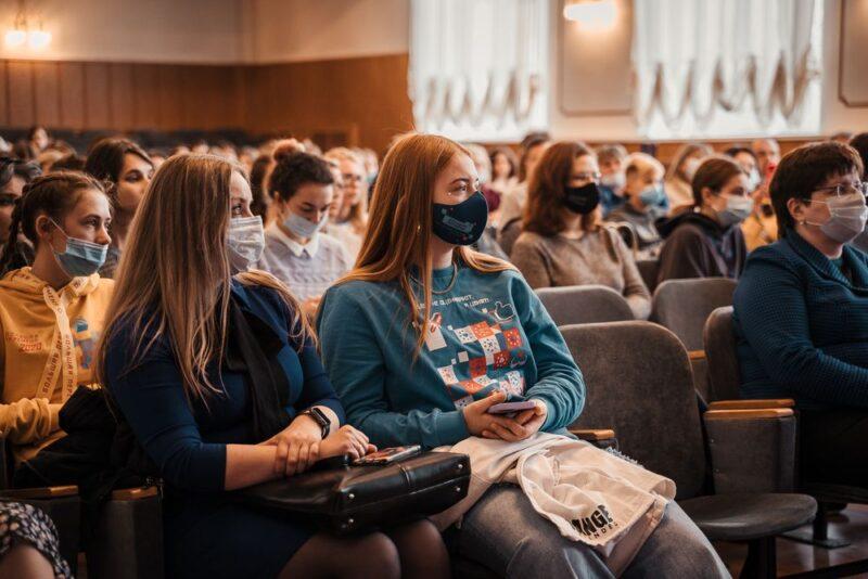 На «Медиасмыслах» Твери журналисты, фотографы и блогеры поделились с участниками тонкостями своего дела