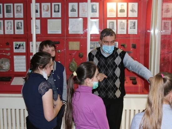 Школьники изучили оборонительные бои в Андреапольском музее