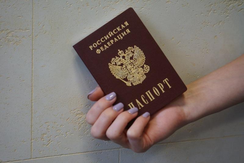 За кражу паспорта и беспроводных наушников девушка может сесть в тюрьму