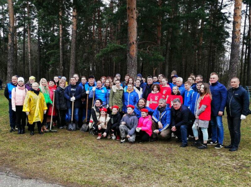 Зелёная весна: как прошел субботник в Комсомольской роще