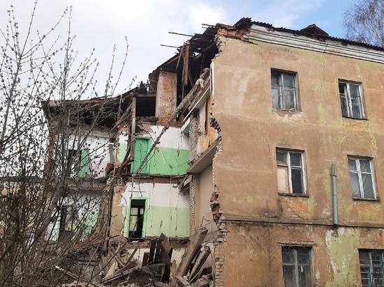 Никто не пострадал во время частичного обрушения здания в Ржеве