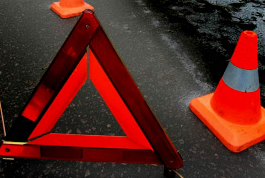 В Тверской области эвакуатор врезался в иномарку