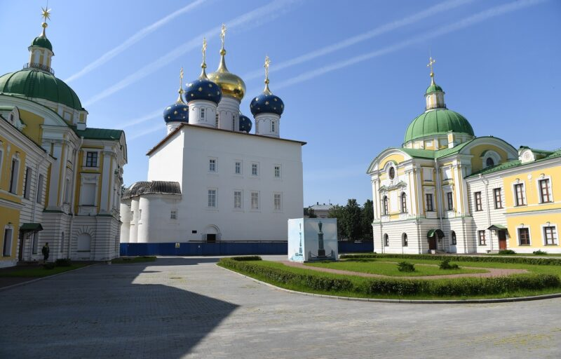 бернатор Игорь Руденя и митрополит Амвросий обсудили вопросы о Спасо-Преображенском соборе