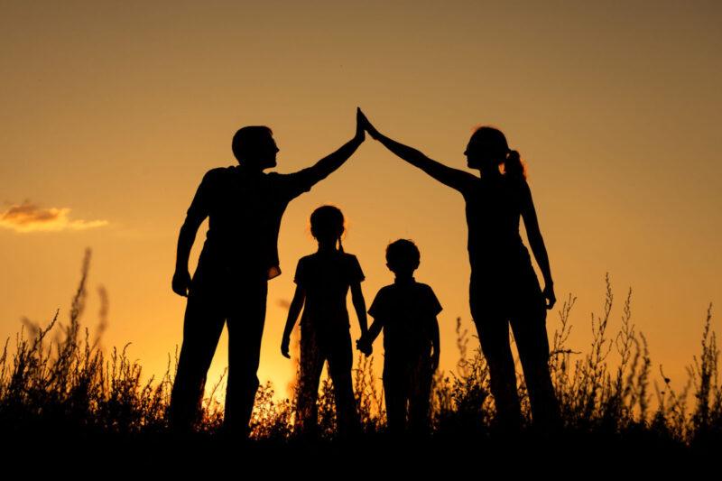 На заседании Правительства Тверской области рассмотрят меры поддержки семей с детьми
