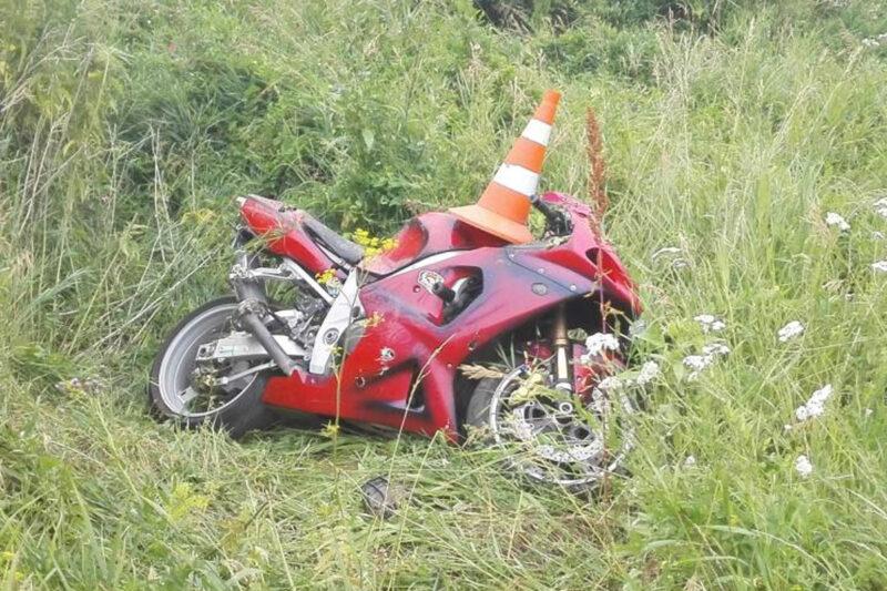 В Тверской области мотоциклист съехал с мостовой в кювет