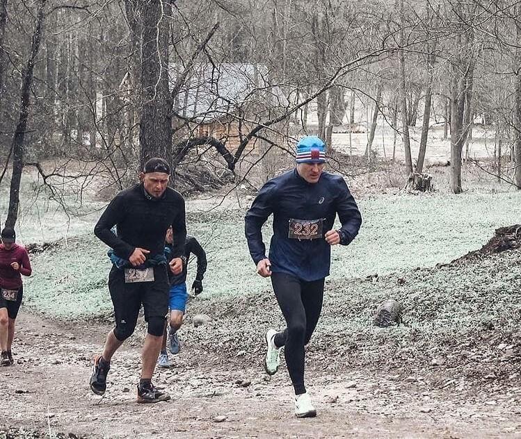 40 километров в день: как тверской тренер Антон Царьков готовится к ультрамарафону
